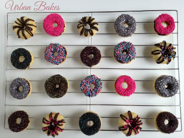 Low Fat 10-minute Mini Baked Doughnuts | URBAN BAKES