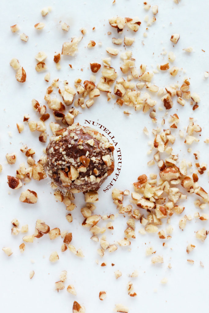 Nutella Truffles (only 3 ingredients!) | urbanbakes.com
