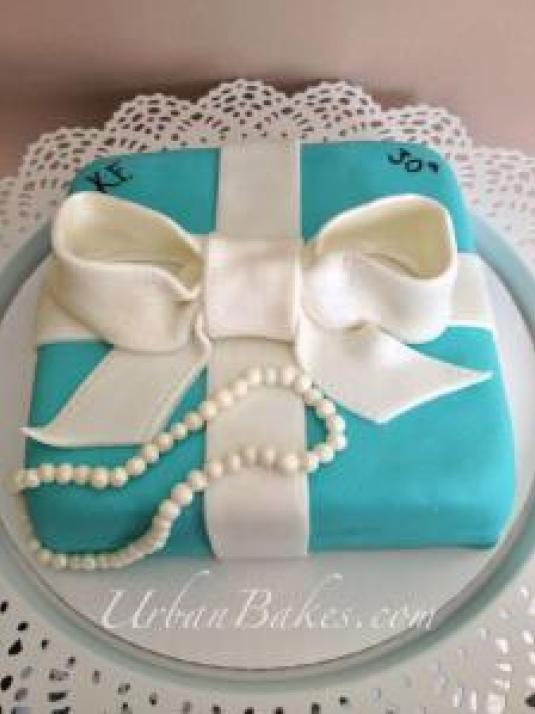 How to achieve the Tiffany & Co color on fondant and buttercream | URBAN BAKES